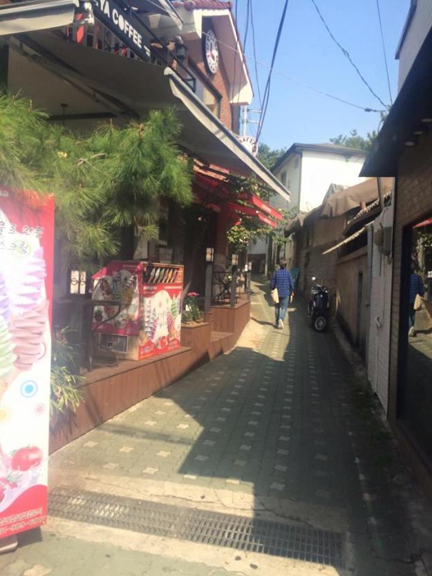 Bukchon stores 2